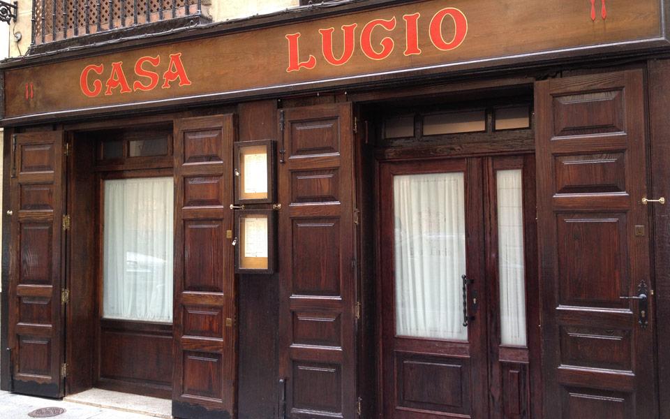 Casa lucio calle cava baja 35 madrid for La casa encendida restaurante madrid
