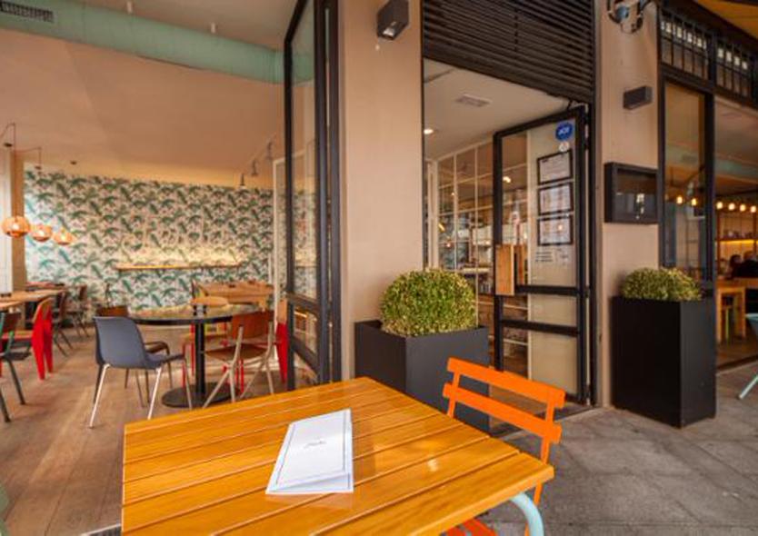 Frida calle san gregorio 8 madrid for Cocinas de restaurantes modernos