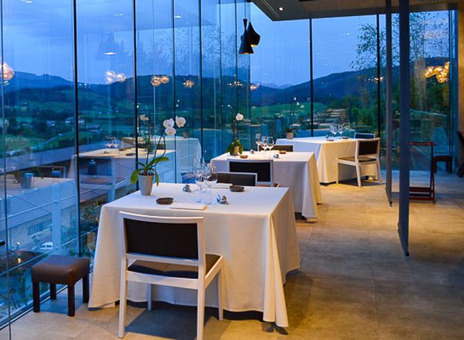Restaurante Azurmendi Comedor Cristaleras