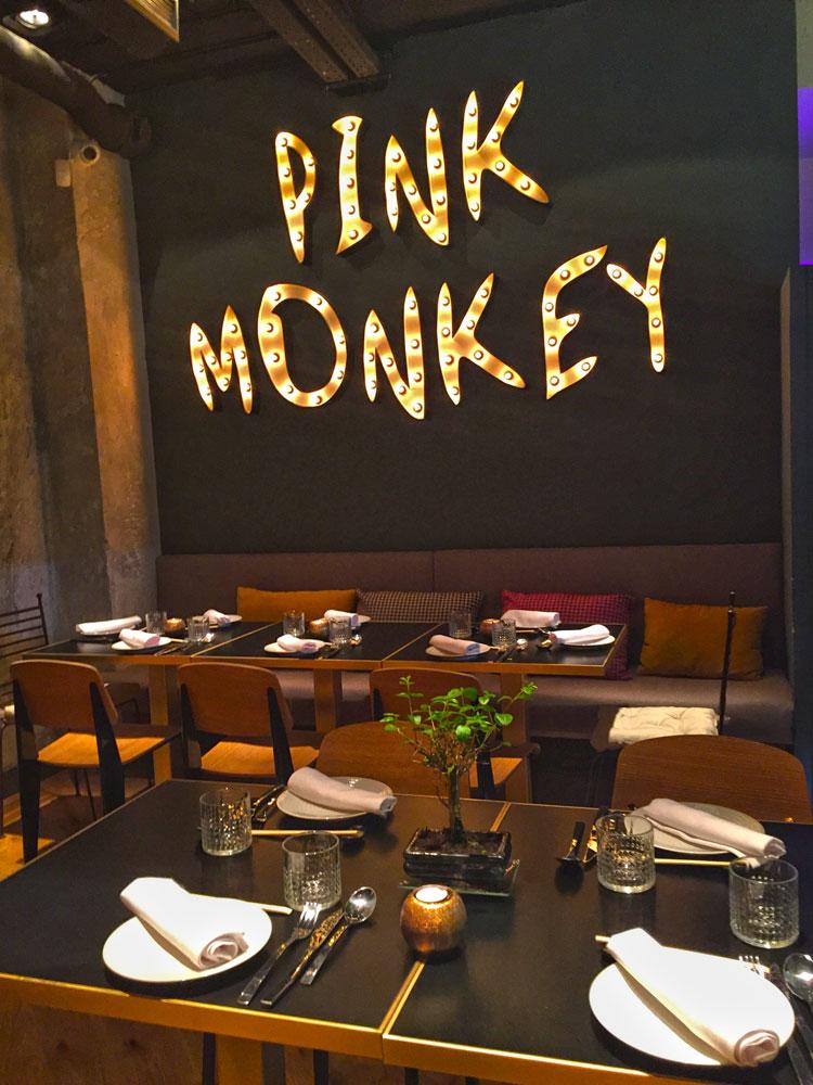 Pink monkey calle monte esquinza 15 madrid for Restaurante calle prado 15 madrid