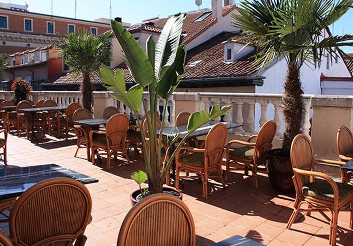 El Paracaidista Terraza Restaurante Madrid