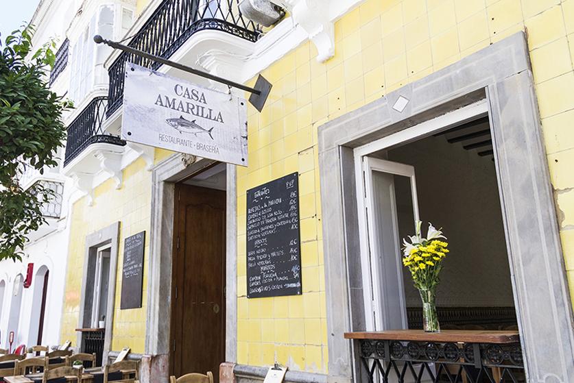 La casa amarilla bodega calle sancho iv el bravo 9 tarifa - Restaurante el puerto tarifa ...