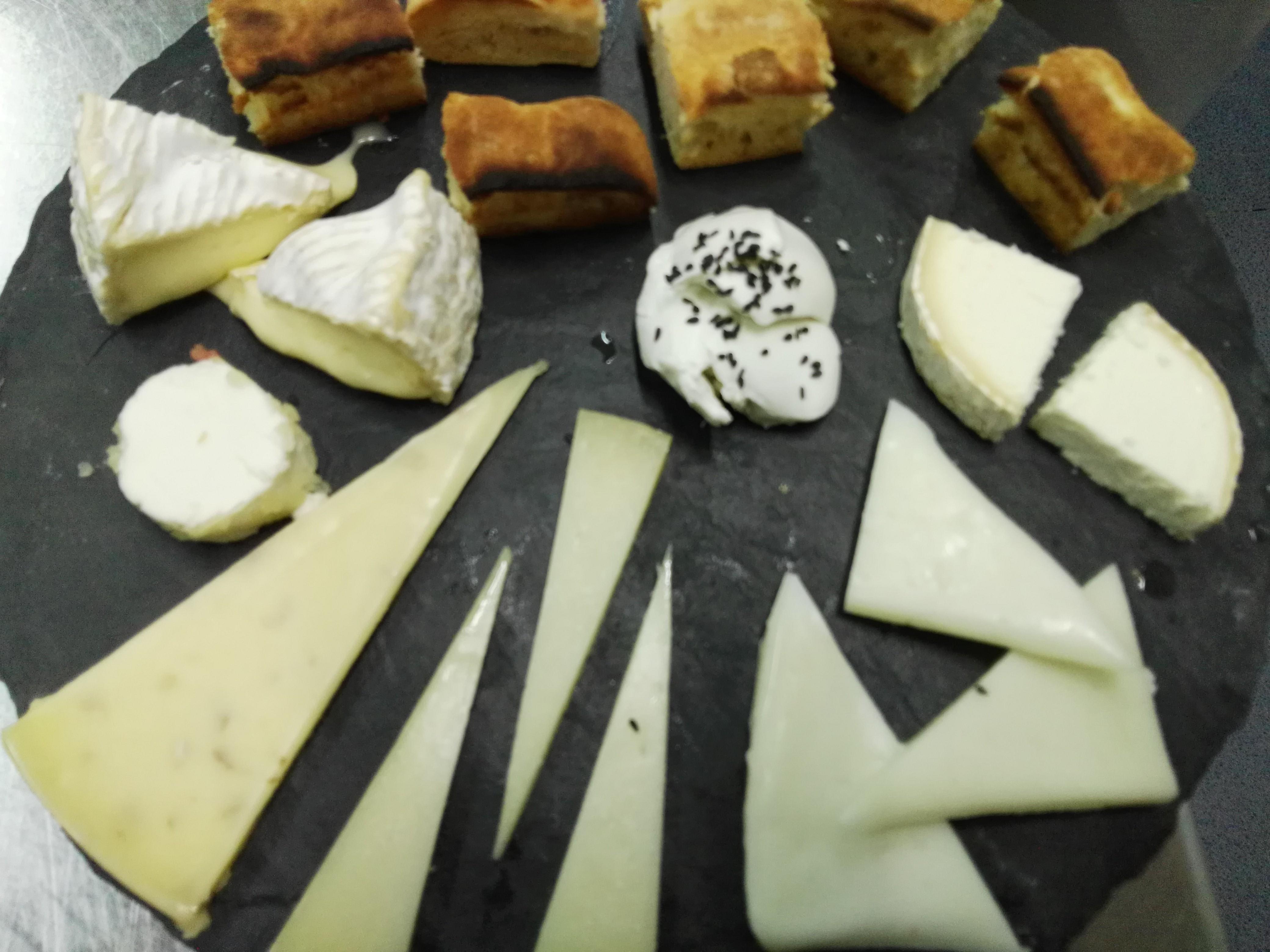 Pissarra d'assortit de formatges